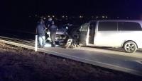 Konya'da otomobil ile minibüs çarpıştı: 2 ölü, 11 yaralı
