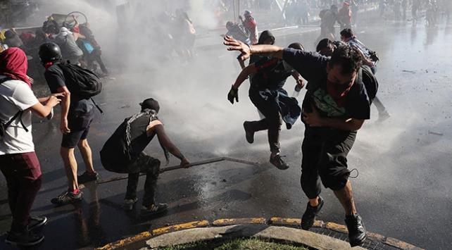Şili'de hükümet protestolara çözüm arayışında