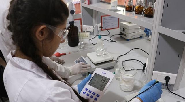 Lise öğrencilerinden kimya sektörüne 185 bin liralık katkı