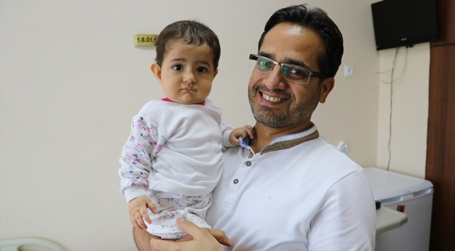 7 aylık bebeğin böbreğinden 40 taş çıkarıldı