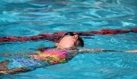 Avusturya'da yüzme derslerinde başörtüsü yasağı için genelge