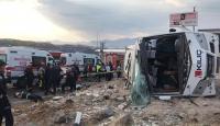 Kayseri'de işçileri taşıyan servis devrildi: 20 yaralı