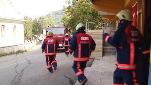 Yangınlara müdahale geç kalınca köylüler kendi itfaiye ekibini kurdu