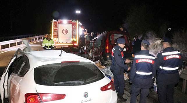 Boluda zincirleme trafik kazası: 3 ölü
