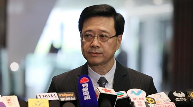 Hong Kongda protestolara yol açan yasa tasarısı geri çekildi