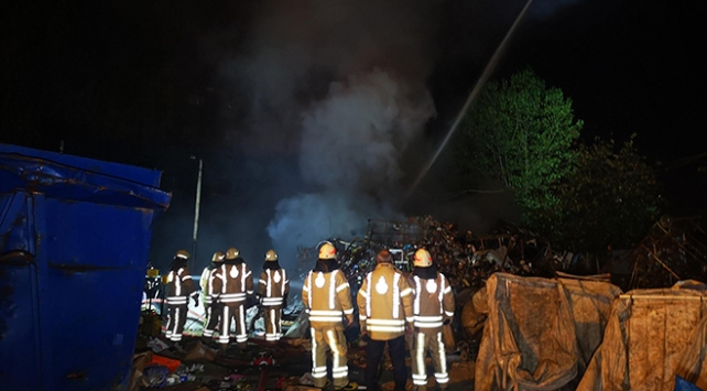 Sancaktepede hurdalık yangını