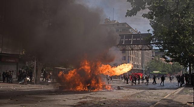 Şilide zam karşıtı gösteriler şiddetlendi: Ölü sayısı 18e yükseldi