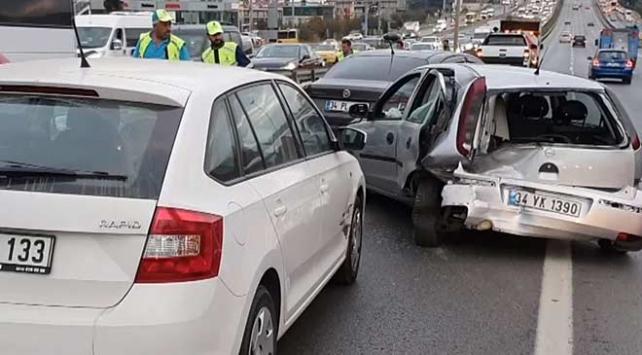 Maltepede zincirleme trafik kazası