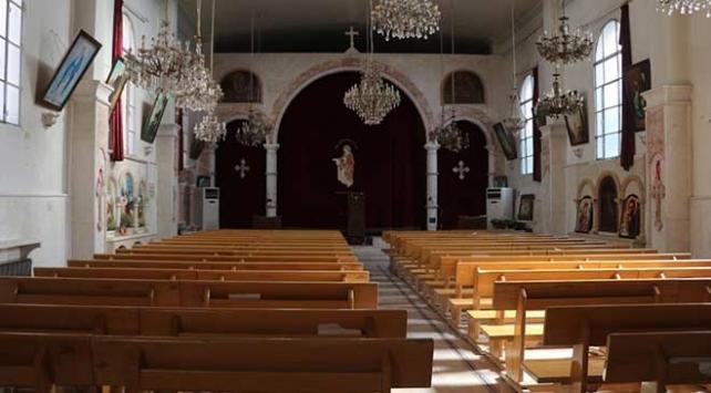 PKK/YPG kiliseden hem Türkiyeyi hem papazın evini vurdu