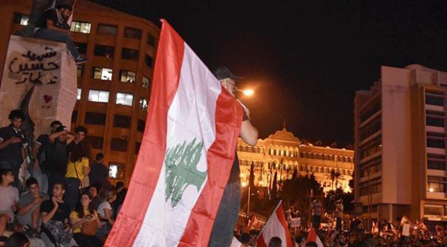 Lübnanda Hizbullah destekçileri ile göstericiler arasında gerginlik