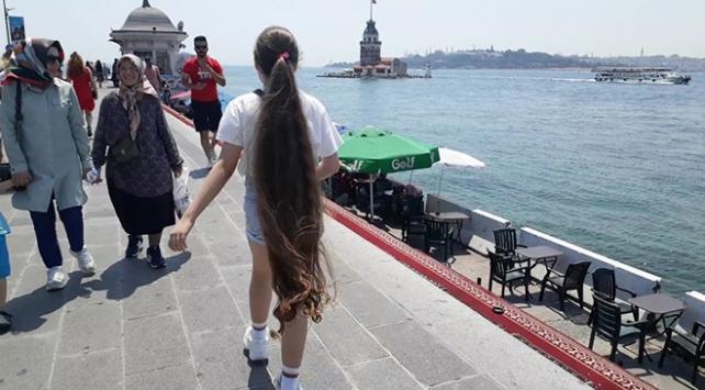 152 santime ulaşan saçlarıyla rekorlar kitabına girdi