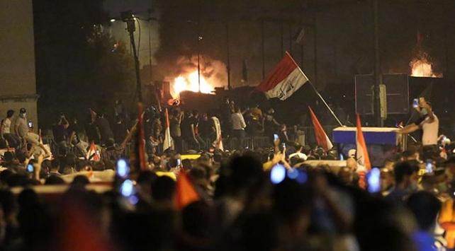 Bağdatta Tahrir göstericilerine müdahale sürüyor