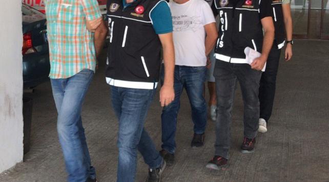 Edirnede 8 düzensiz göçmen kaçakçısı tutuklandı