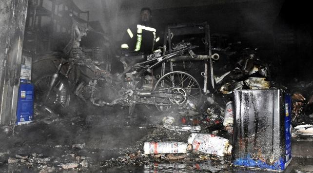 Manisada iş yeri yangını