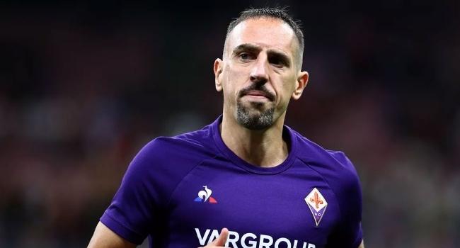 Hakemi iten Riberyye 3 maç ceza