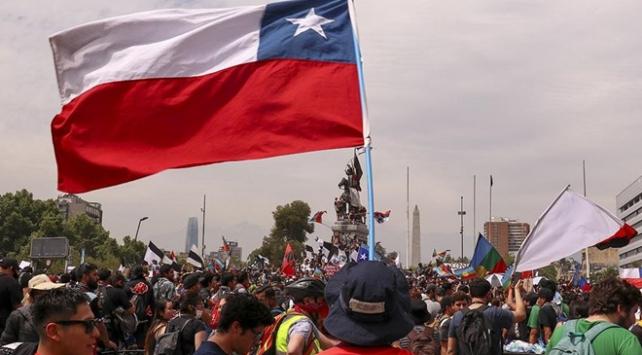 """Şilide ilan edilen """"acil durum"""" kaldırılıyor"""