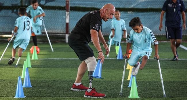 Gazzede çocuk ampute futbol takımı kuruldu