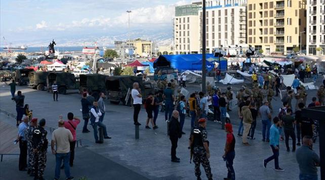 Lübnanda Hizbullah ve Emel Hareketi yanlıları göstericilere saldırdı