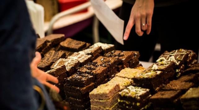 Cenaze yemeğinde yanlışlıkla içinde uyuşturucu bulunan kek servis edildi