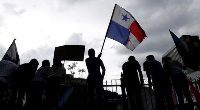 Panamada anayasal reform tasarısı protesto edildi