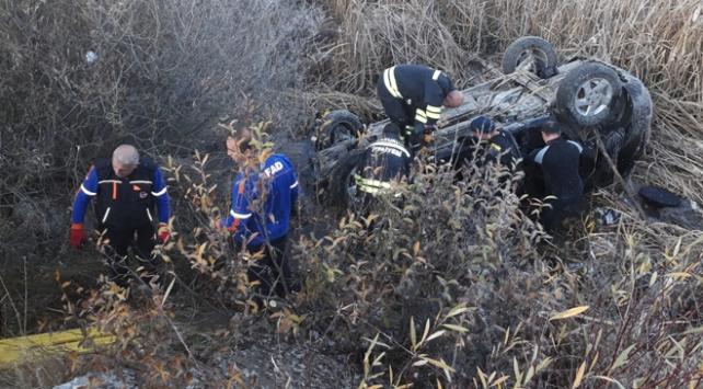 Dere yatağına düşen otomobildeki 3 kişi hayatını kaybetti