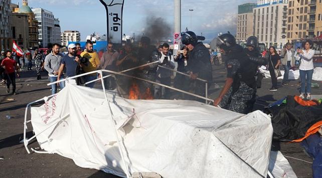 Lübnanda ordu ile göstericiler arasında gerginlik: 9 yaralı