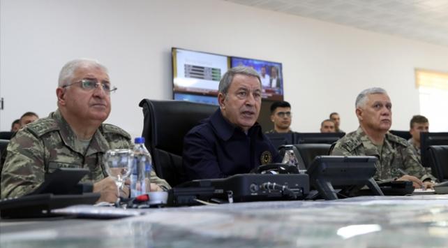 Bakan Akar açıkladı: Yakalanan rejim askerleri ne olacak?