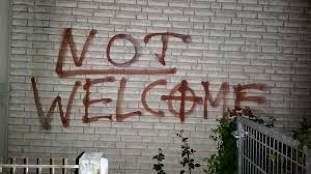 """Almanyada Neonazilere karşı """"acil durum"""" ilan edildi"""