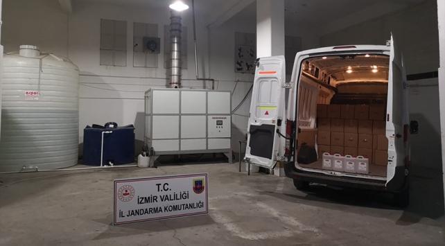 İzmirde 18 bin litre etil alkol ele geçirildi
