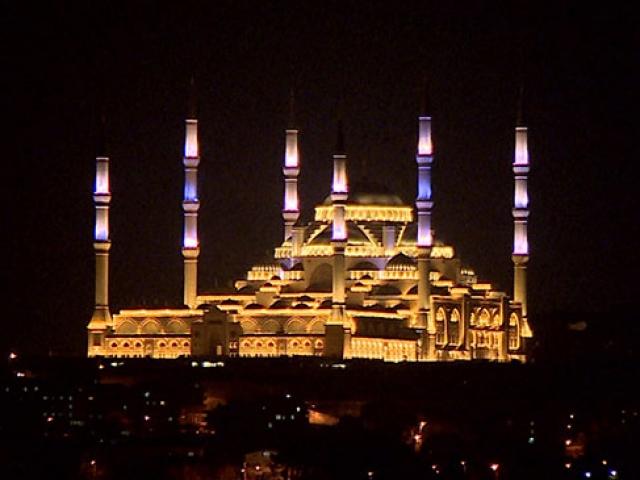 Taksim Camiinin inşasında sona yaklaşılıyor