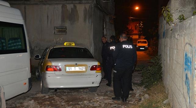 Adanada dur ihtarına uymayan sürücü, polisi alarma geçirdi