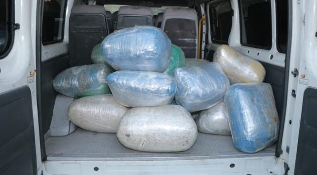 Okul servisinden 179 kilogram uyuşturucu çıktı