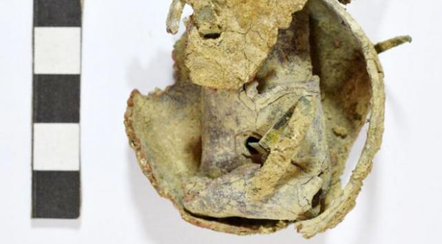 Myra Antik Kentinde içinde kurşun zarf olan bir obje bulundu