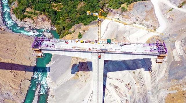 Türkiyenin en yüksek köprüsünde sona gelindi