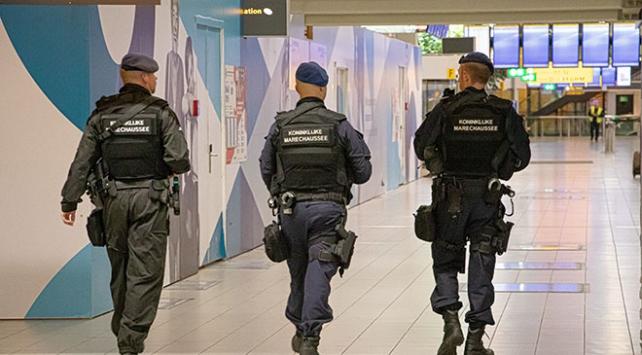 Hollandada yanlış alarm panik yarattı