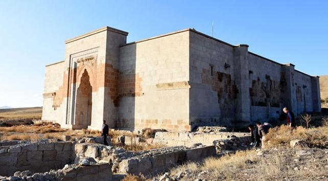 Aksaraydaki Selçuklu kervansarayı restore ediliyor