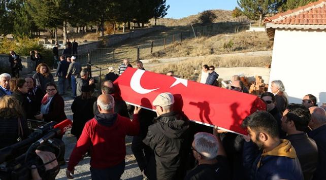 Arkeolog Aykut Çınaroğlu son yolculuğuna uğurlandı