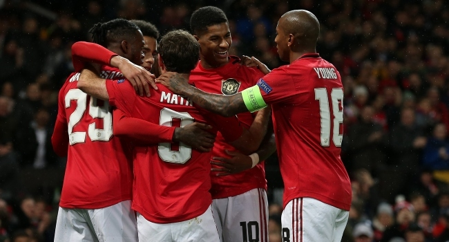 Manchester United 3 golle turladı