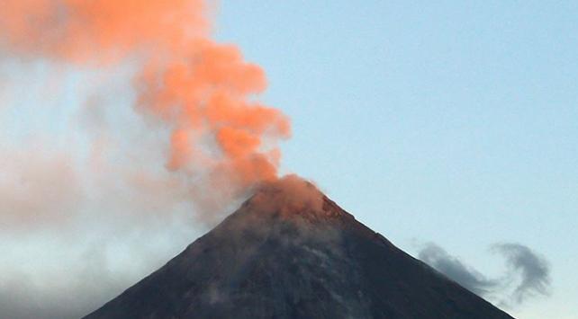 Japonyada Sakurajima Yanardağı patladı