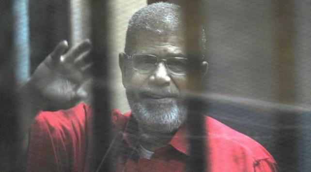 Mısırlı eski iki bakandan Mursi ve oğlunun vefatının incelenmesi çağrısı