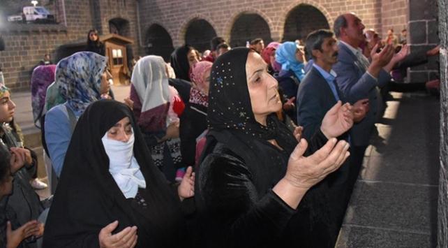 Diyarbakır anneleri evlatları için dua etti
