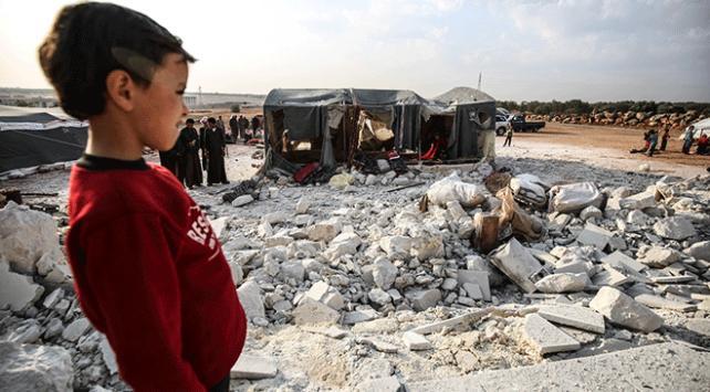 Rus savaş uçakları İdlibde çadır kampına saldırı düzenledi