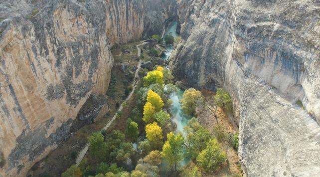 Tohma Kanyonu sonbaharda doğa tutkunlarının uğrak mekanı