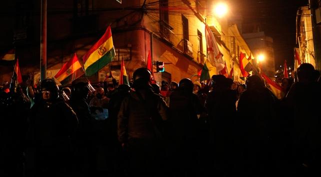 """Bolivyada Devlet Başkanı Moralesin """"diyalog"""" çağrısına ret"""