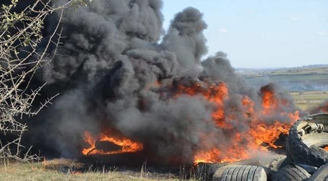 Tekirdağda yüzlerce lastiği ateşe verdiler