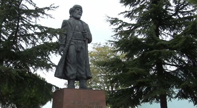 """""""Rumeli Fatihi"""" Gazi Süleyman Paşa'nın türbesi bakımsız kaldı"""