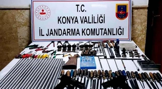 Konyada kaçak silah üretilen eve operasyon