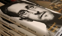 Edward Snowden, kitabının Çince baskısına sansür uygulandığını iddia etti