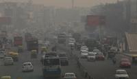 """Yeni Delhi'de hava kirliliği """"tehlikeli"""" seviyede"""
