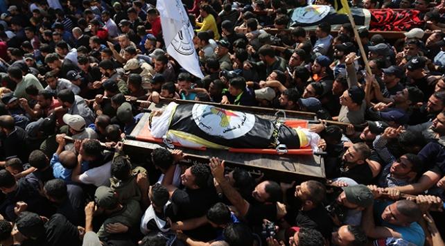 İsrailin öldürdüğü Ebul Atanın cenazesi toprağa verildi